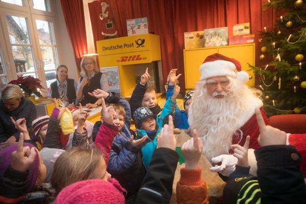 Briefe Nach Himmelpfort : Deutsche post eröffnet weihnachtspostfiliale in